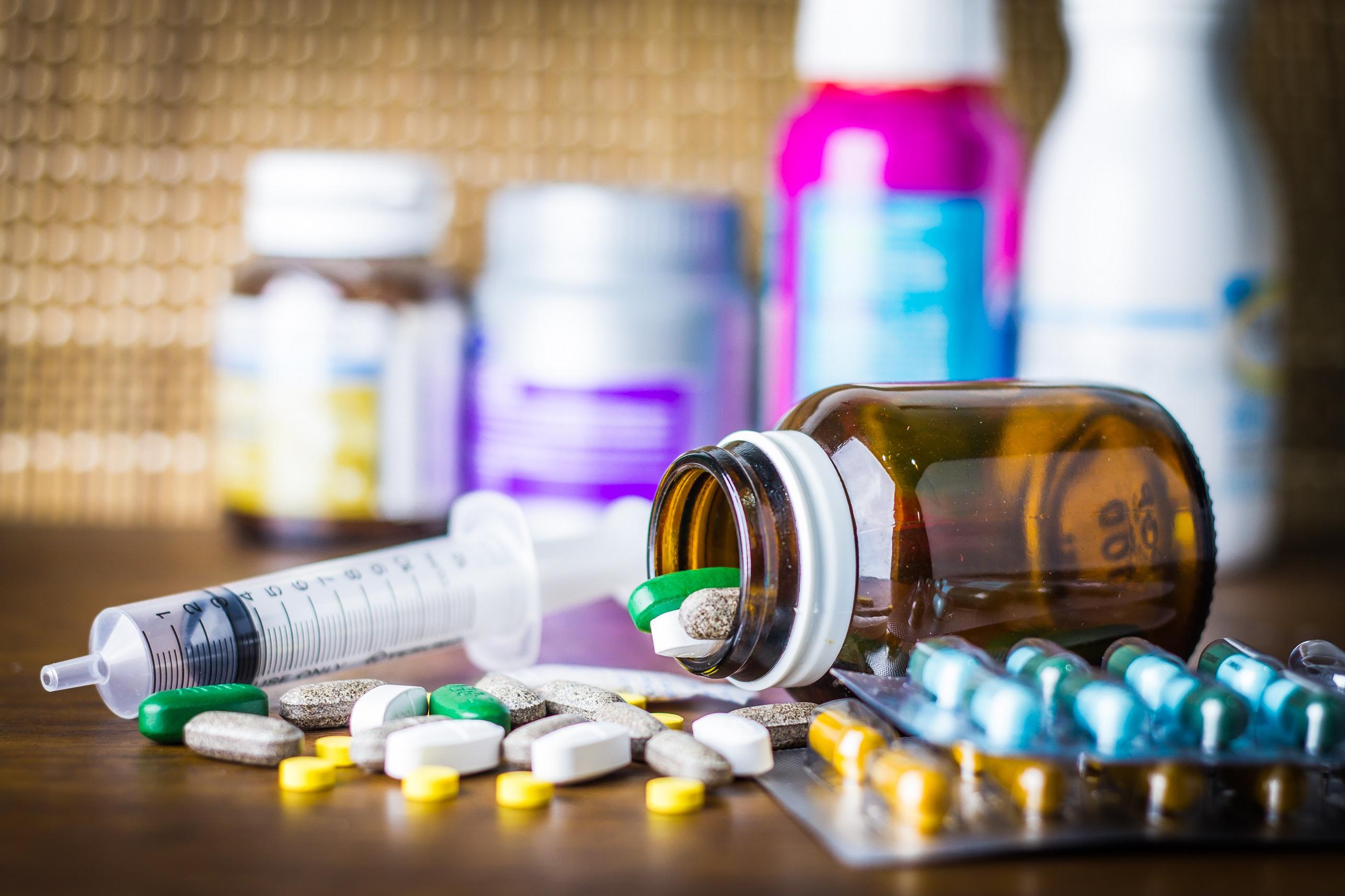 【AGA治療薬・ED治療薬など】個人輸入の医薬品にご用心。医師処方の薬と同じ名前でも、効果・安全性が異なります!